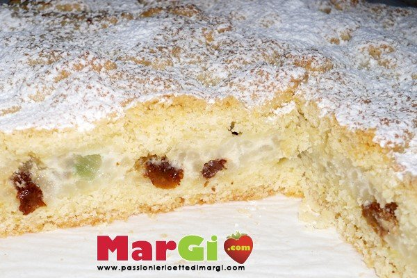 crostata con ricotta e canditi Crostata di ricotta con uvetta e canditi