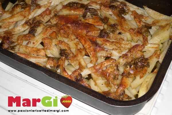 Patate al forno con salsiccia