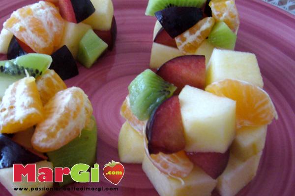 composizione di frutta Cubo frutta, composizione di frutta fresca divertente