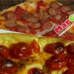 Pizza fragrante e morbida con pomodoro, wurstel e tonno