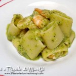 Calamarata con vellutata di zucchine e scampi