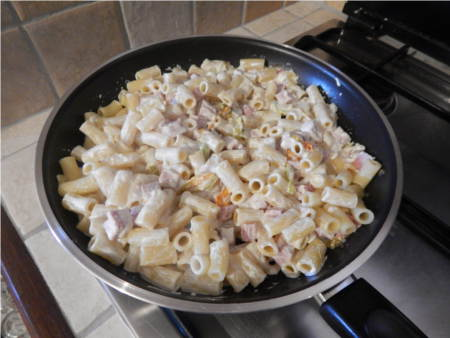 ricetta pasta con fiori di zucca panna e prosciutto
