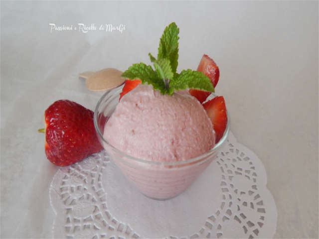 gelato alle fragole senza gelatiera