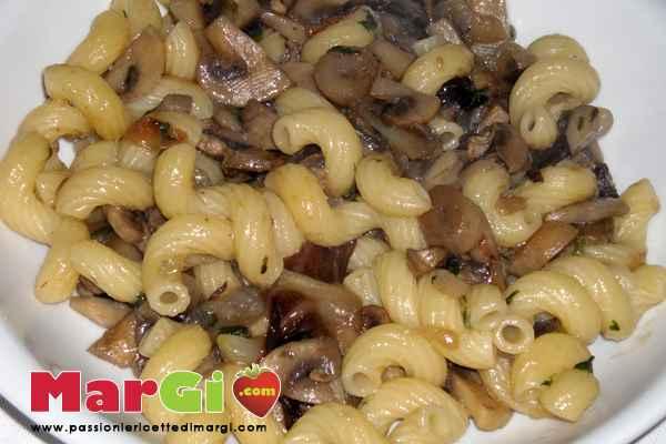 trivelle-funghi-e-treviggiano