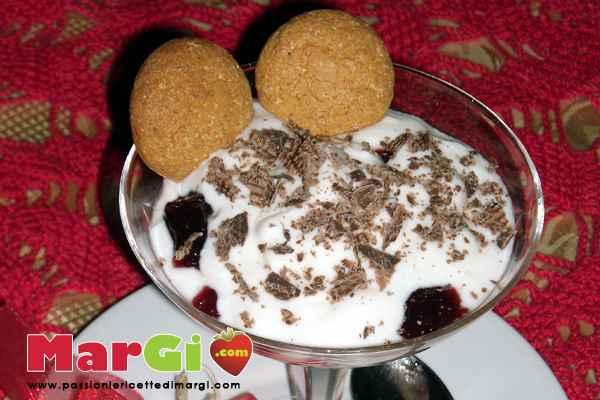yogurt-con-amaretti