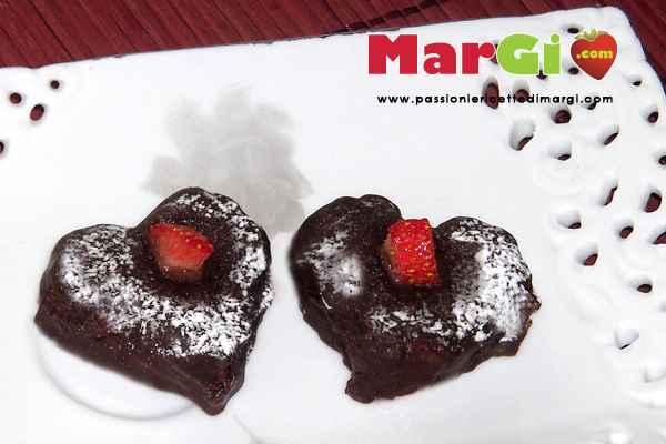 Cuori di cioccolato e fragole