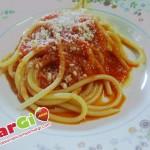 Bucatini con salsa di peperoni, primi piatti economici