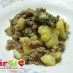 Carciofi con carne macinata e patate