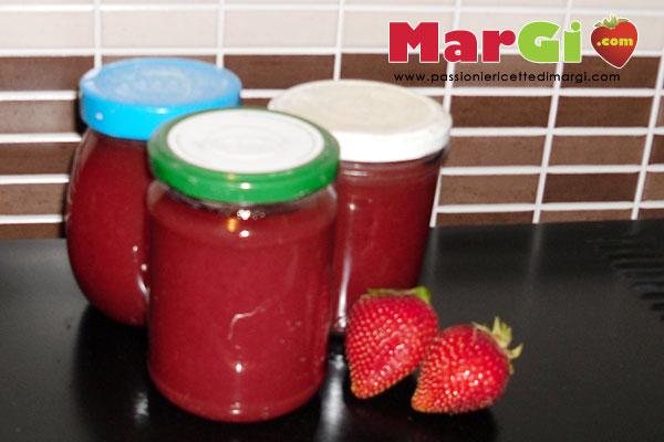 Marmellata di fragole fatta in casa senza aggiunte for Planimetrie aggiunte casa