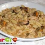 Pasta con cozze e fagioli