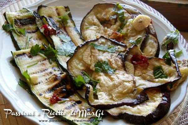 Melanzane e zucchine gratinate al forno