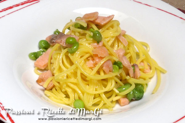 Spaghetti salmone e piselli