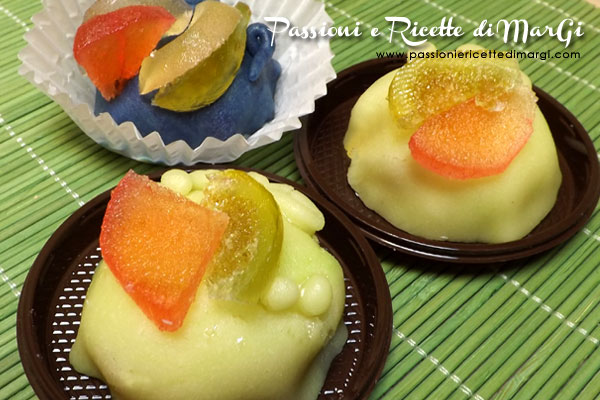 delizie alla crema pasticcera e pasta reale