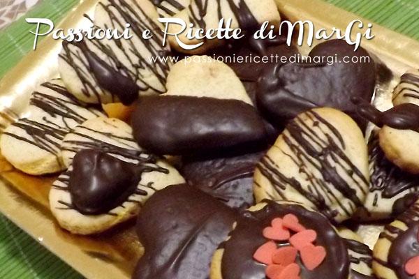 Cuori di biscotti alla cannella