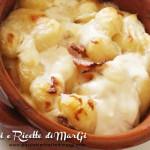 Gnocchi gratinati in terrina con speck e mozzarella