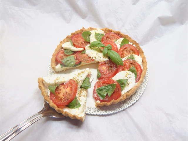 Crostata caprese salata